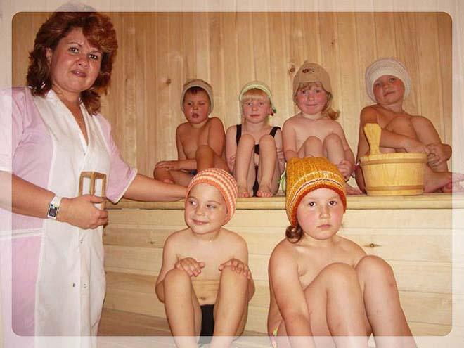 Купаются семьями в бане, домашнее пьяный трах