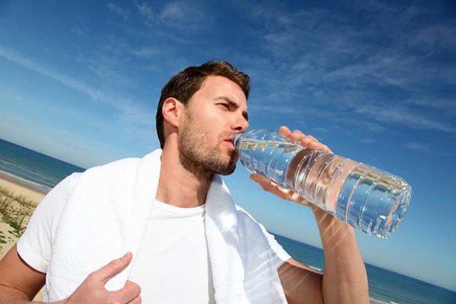 Man-drinks-water